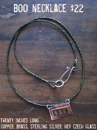Boo_necklace_1